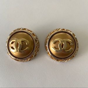 CHANEL VINTAGE CLIP ON ROUND GOLD EARRINGS